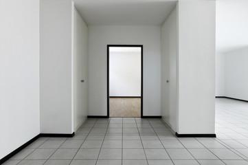 dettaglio di entrata di apartamento vuoto, passaggio