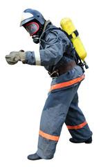 Пожарный-спасатель в дыхательном аппарате