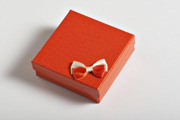 scatoletta regalo arancio con fiocchetto