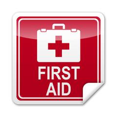Pegatina cuadrada FIRST AID con reborde