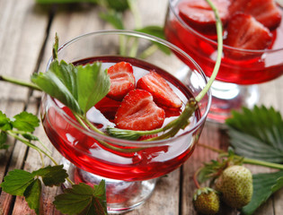 Götterspeise - Erdbeeren