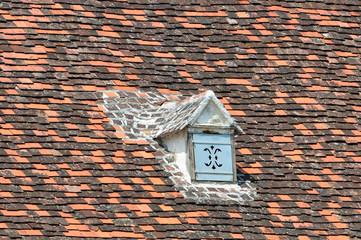 altes dach mit tonziegel