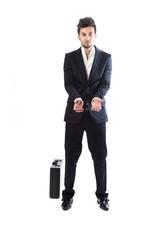 hombre joven corrupto con maletín