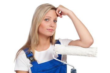 müde handwerkerin
