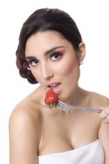 sensuale e simpatico sguardo con frutta