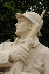 monument aux morts aux Mureaux