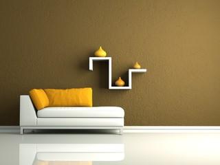 weises Sofa mit Regal vor brauner Wand