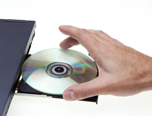 Inserting DVD/CD-ROM