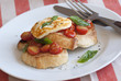 Toasts with Halloumi and tomatoes