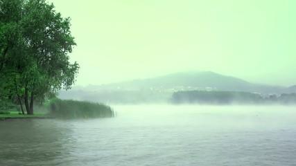 il lago delle nebbie