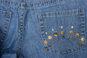 Fancy pocket on women's jeans