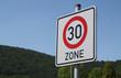 Verkehrsschild 30er Zone IV