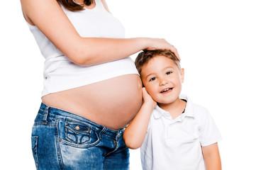 Schwangere Mutter mit Kind