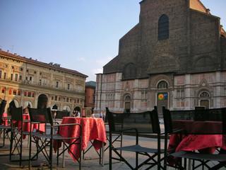 Bologna - tavoli su Piazza Maggiore
