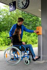 Bahnhof Rollstuhl Fahrkarte