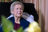 samostatný starší dáma v její společenská místnost