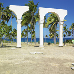 memorial of Christopher Columbus's landing, Bahia de Bariay, Hol