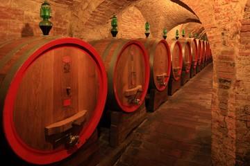 Weinkeller,Rotwein,arrique Faß ausgebaut,Toskana,Italien