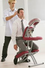"""Massage sur le lieu de travail """"Amma assis"""""""
