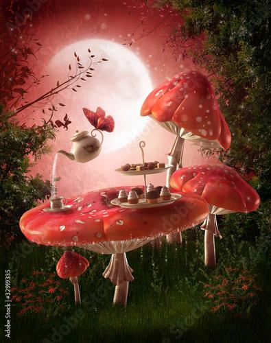 Magiczny ogród z czerwonymi grzybami - 32919335