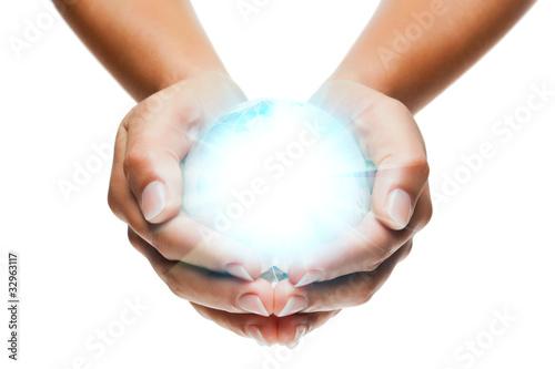 globe lumière mains / globe in hands
