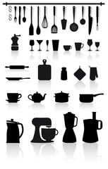 set di utensili, attrezzi, elettrodomestici e posate da cucina