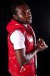 jeune homme à la peau noire - africain