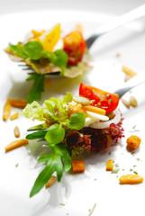 salat - nüsse - körner