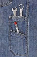 narzędzia w kieszeni