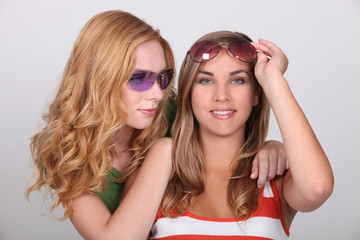 girls with sunglasses