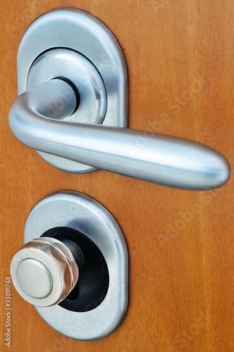 Maniglia e serrature di una porta blindata di stefano neri - Maniglia per porta blindata ...
