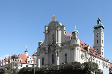 heilig-geist-kirche, altstadt-häuser