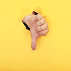 Hand aus der Wand
