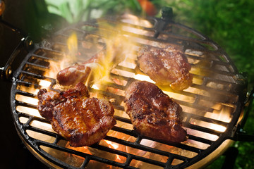 Grilling marinated meat