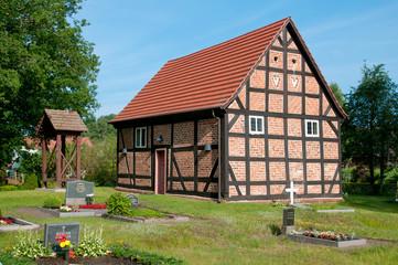 Kleine Dorfkirche in Zirtow, Mecklenburg-Vorpommern