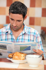 guy having breakfast