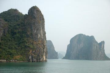 Kalkfelsen der Halong-Bucht 5