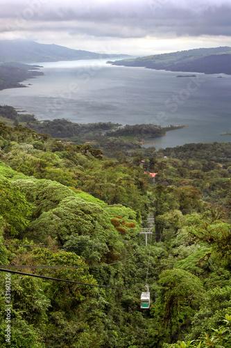 Papiers peints Amérique Centrale Rain Forest Tram over Lake Arenal, Costa Rica
