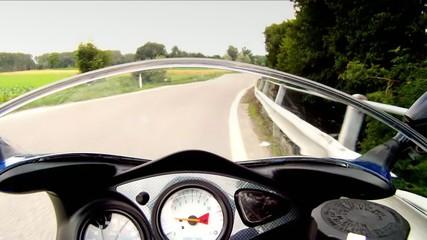 sulla moto, accelerazione