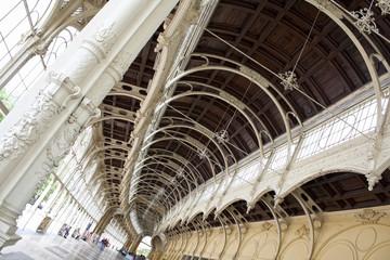 колоннада, мариански лазне