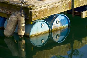Floting barrels
