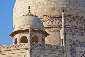 Taj Mahal located in Agra 15