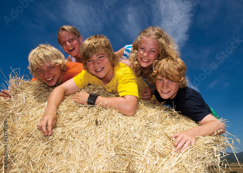 5 glückliche Teenager