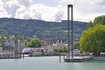 Vorbeifahrt am Bregenzer Hafen