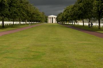 Allée centrale du cimetière américain de Colleville en HDR