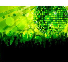Discothek mit Fans in grünem Licht