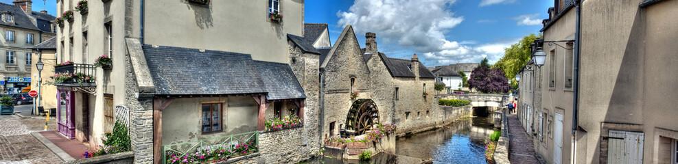 HDR du centre historique de Bayeux - Moulin à eau