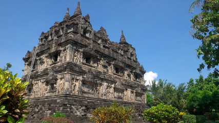 the javanese buddhist temple of candi sari