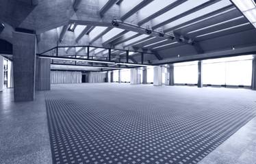 locale enorme vuoto, sala multi uso