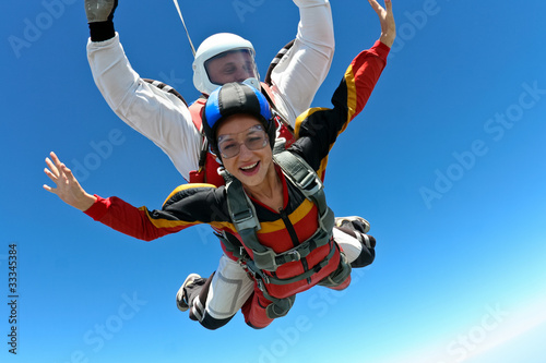 Skydiving photo - 33345384